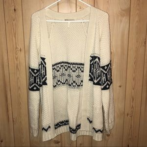 Sweaters - SUPER CUTE CARDIGAN!
